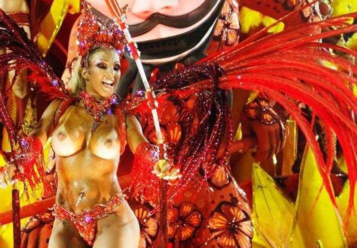 бабушки голые на карнавале