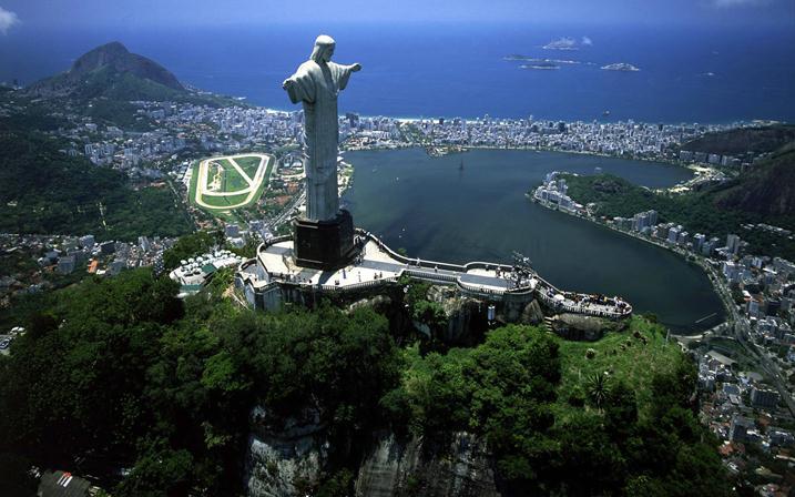 Памятники в Бразилии фото